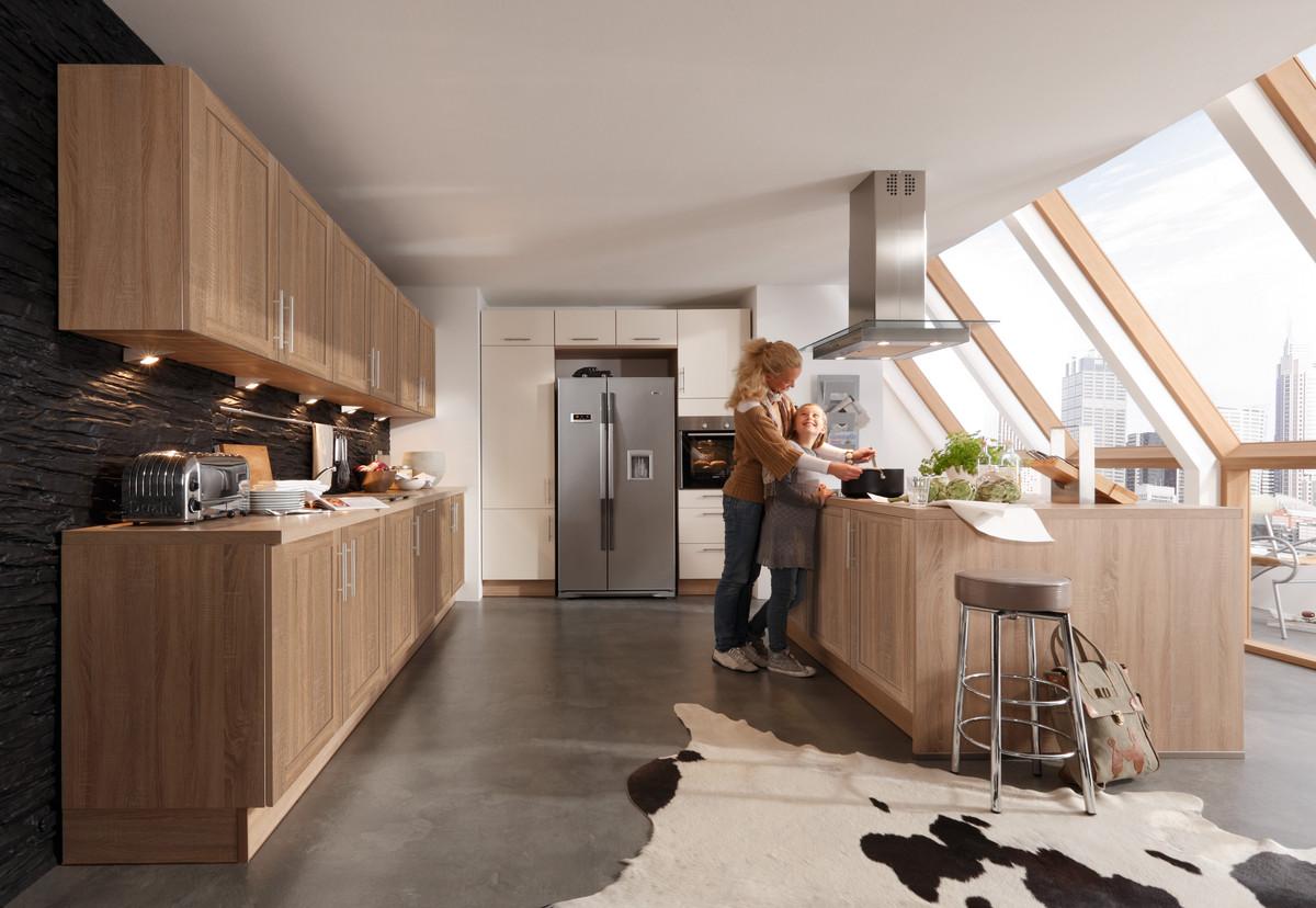 rustikale k chen auf ausstellungsk chen. Black Bedroom Furniture Sets. Home Design Ideas