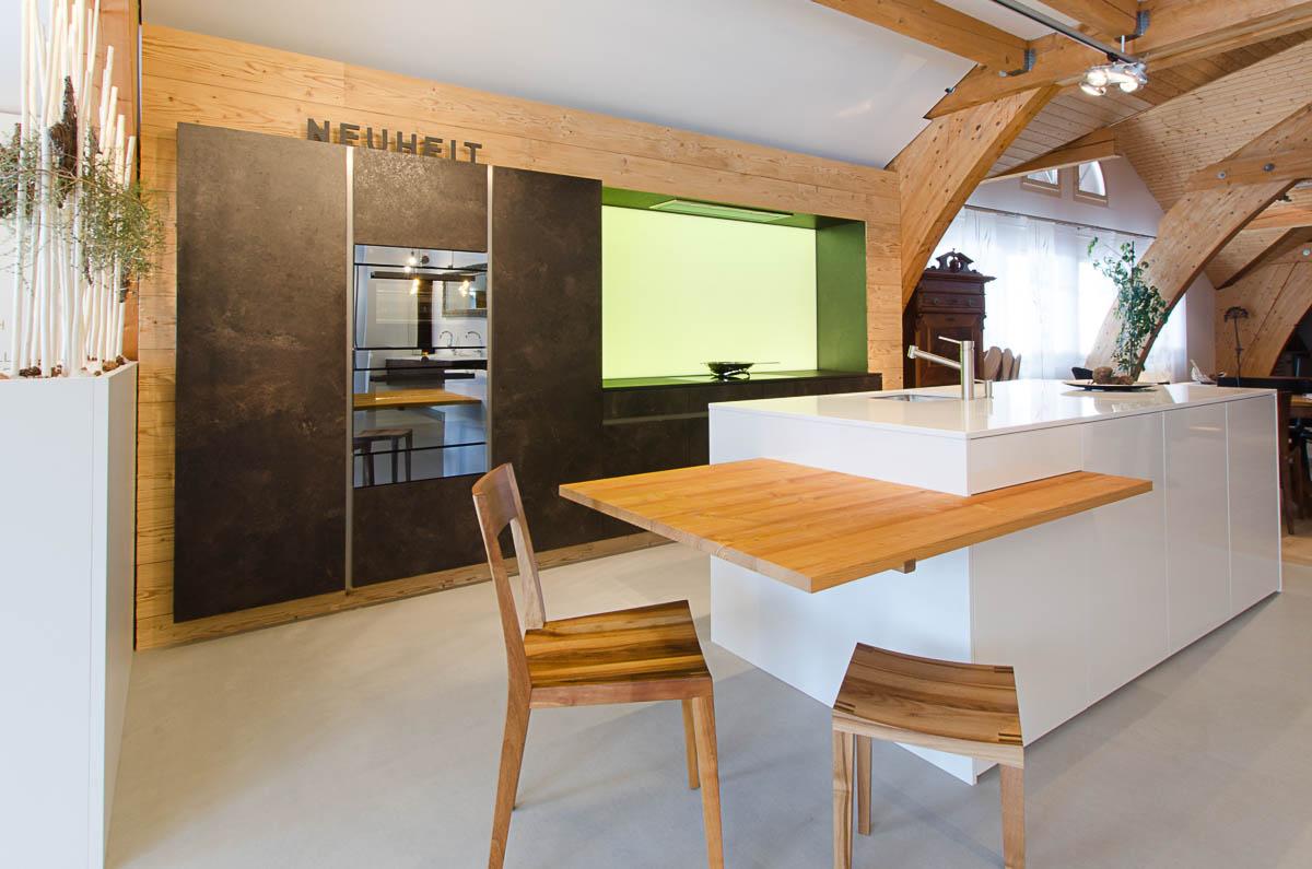 ausstellungsk che trend weiss stone altholz hugentobler ag k che bad wohnen schreinerei. Black Bedroom Furniture Sets. Home Design Ideas